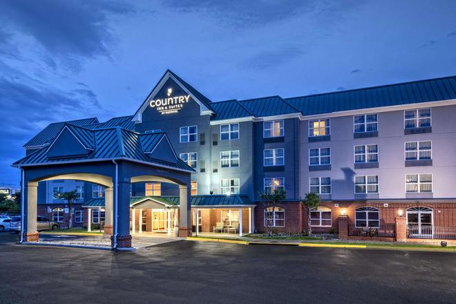 丽笙乡村套房酒店-弗吉尼亚州伍德布里奇波托马克米尔斯 - 伍德布里奇 - 建筑