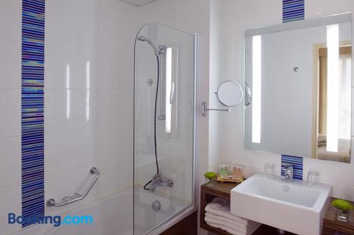 贝斯特韦斯特罗驰诺尔酒店 - 莱萨布勒多洛讷 - 浴室