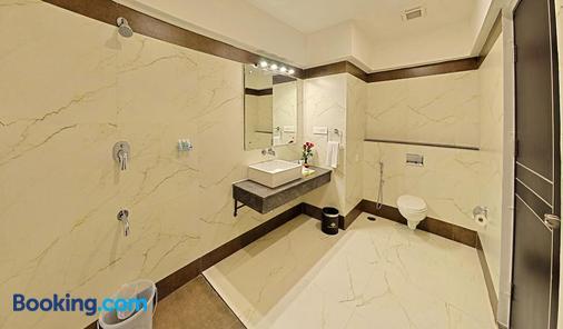 马杜赖坡匹斯酒店 - 马杜赖 - 浴室