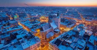 利沃夫中心宜必思尚品酒店 - 利沃夫 - 户外景观