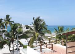 太阳岛酒店 - 维利亚米尔港 - 阳台