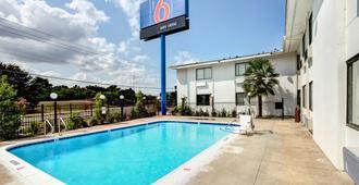 达拉斯南部6号汽车旅馆 - 达拉斯 - 游泳池