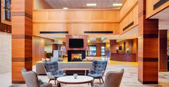 波士顿洛根机场万怡酒店 - 波士顿 - 大厅