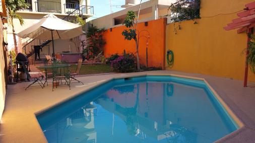 波萨达科利柏酒店 - 拉巴斯 - 游泳池