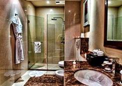 多哈协和大酒店 - 多哈 - 浴室