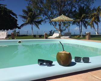 达迪巴旅馆 - 莫鲁-迪圣保罗 - 游泳池