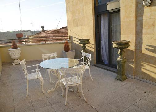 萨拉曼卡阿特尤斯卡梅丽塔斯酒店 - 萨拉曼卡 - 阳台