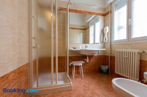 莫妮卡酒店 - 里米尼 - 浴室