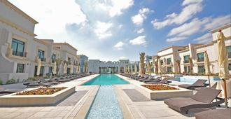 安达卢阿希夫度假村及水疗中心 - 阿布扎比 - 游泳池