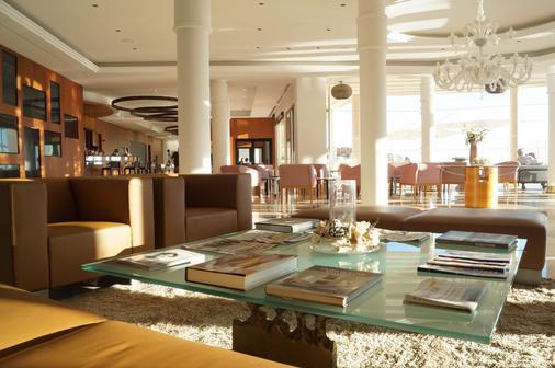 普瑞斯特博阿德里亚诺酒店 - 仅限成人 - 卡尔维亚 - 酒吧