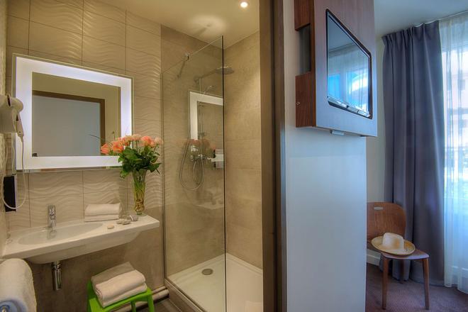 阿讷西中心火车站康铂酒店 - 阿讷西 - 浴室
