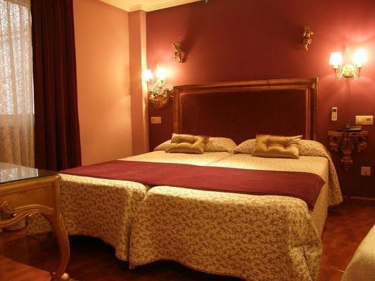 戈雅套房酒店 - 萨拉曼卡 - 睡房