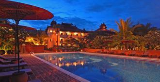 巴加迷人度假村 - 蒲甘 - 游泳池