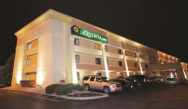 印第安纳波利斯机场行政公路温德姆拉昆塔酒店 - 印第安纳波利斯 - 建筑