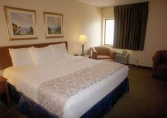 印第安纳波利斯机场行政公路温德姆拉昆塔酒店 - 印第安纳波利斯 - 睡房