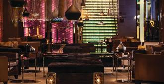 曼谷拉差阿帕森购物区万丽酒店 - 曼谷 - 大厅