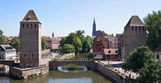 斯特拉斯堡大道杜莱茵宜必思尚品酒店 - 斯特拉斯堡 - 户外景观