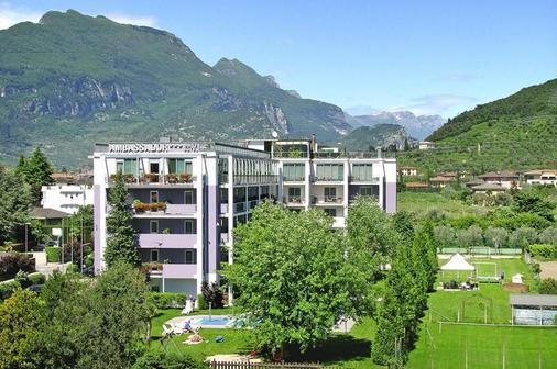 大使套房酒店 - 里瓦 - 建筑