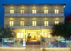 克拉拉别墅酒店 - 托尔博莱 - 建筑