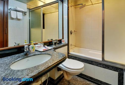 孟买恩克莱夫富豪酒店 - 孟买 - 浴室