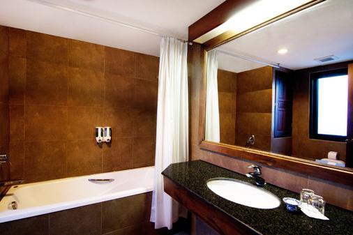 诺拉湖景酒店 - 苏梅岛 - 浴室