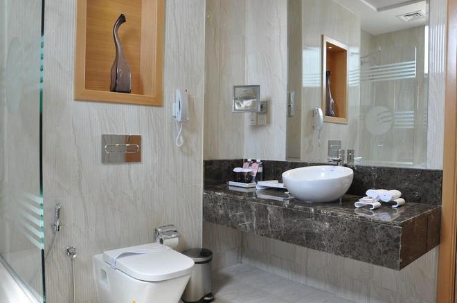 财富公园酒店 - 迪拜 - 浴室