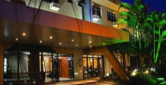 里拉酒店 - 库里提巴