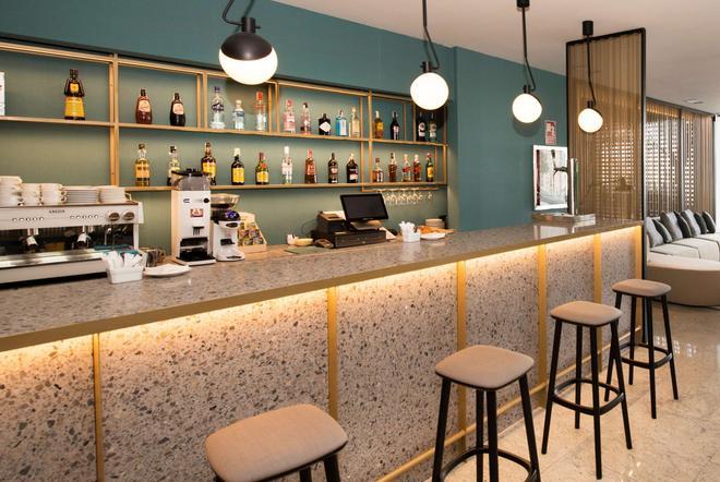 维歌西方酒店 - 维戈 - 酒吧