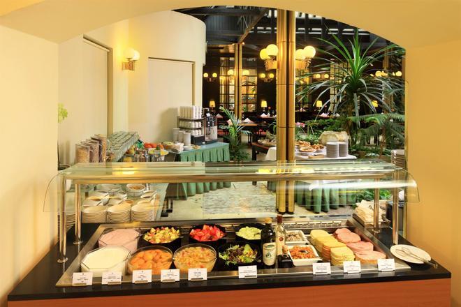 布尔诺大酒店 - 布尔诺 - 自助餐