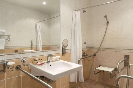 普罗夫迪夫特里蒙蒂姆华美达酒店 - 普罗夫迪夫 - 浴室