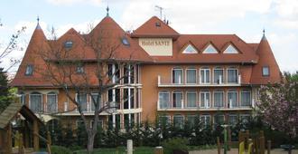圣赫威兹酒店 - 赫维兹 - 建筑