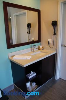 海滩旅馆汽车旅馆 - 长滩 - 浴室