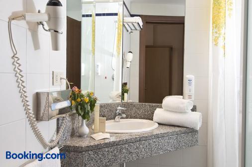 桑特利亚公园酒店 - 法萨诺 - 浴室