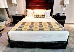 斯威夫特卡伦特霍姆套房酒店 - 斯威夫特卡伦特 - 睡房