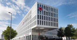 慕尼黑展览中心华美达酒店及会议中心 - 慕尼黑 - 建筑