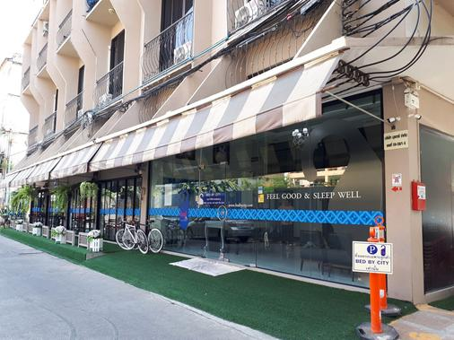 素理翁路-拍蓬街都市酒店 - 曼谷 - 建筑