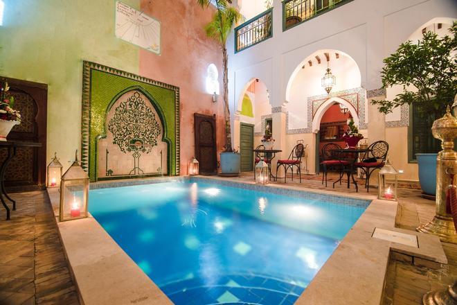 里亚德凯撒酒店 - 马拉喀什 - 游泳池