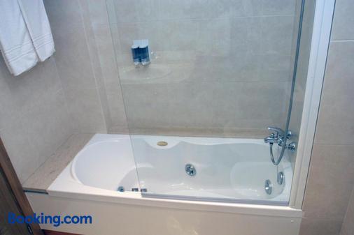 奥加利亚酒店 - 维戈 - 浴室
