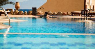 波多恩月亮酒店 - 达哈布 - 游泳池
