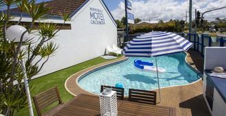 卡拉德拉莫法特海滩汽车旅馆 - 卡伦德拉 - 游泳池