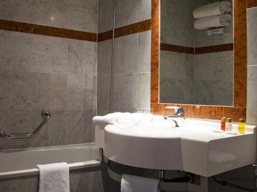 戛纳美洲酒店 - 戛纳 - 浴室