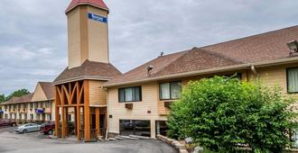 威斯康星麦迪逊东北地区罗德威套房酒店 - 麦迪逊