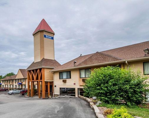 威斯康星麦迪逊东北地区罗德威套房酒店 - 麦迪逊 - 建筑