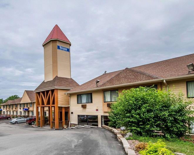 罗德威套房酒店威斯康星麦迪逊东北 - 麦迪逊 - 建筑