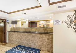 威斯康星麦迪逊东北地区罗德威套房酒店 - 麦迪逊 - 大厅