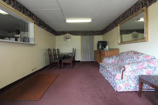 威尔逊美洲最佳价值酒店 - Wilson - 客厅