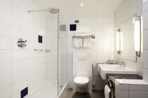 约克市中心丽柏酒店 - 约克 - 浴室
