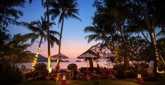 小阳光精品海滩温泉度假村 - 象岛