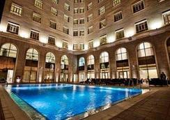 多哈凯煌酒店 - 多哈 - 游泳池