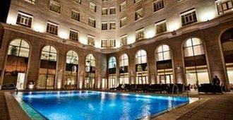 多哈协和大酒店 - 多哈 - 游泳池